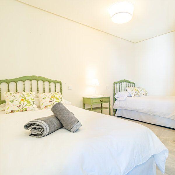 Dormitorio de piso en alquiler en Marbella centro