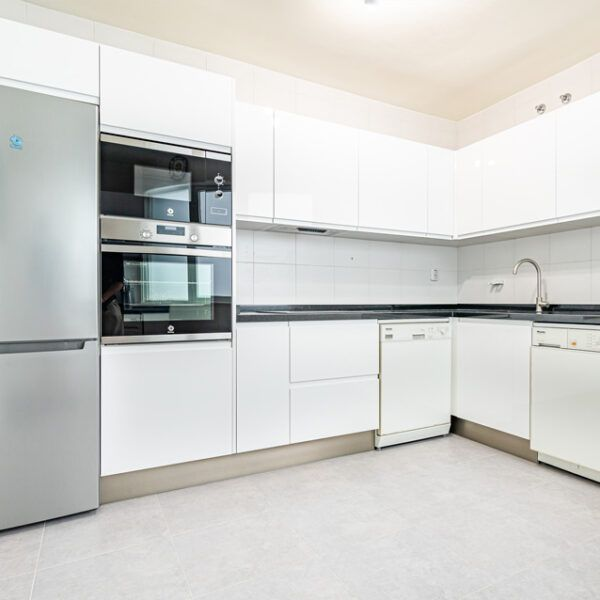 Kitchen in a flat for rent in Marbella centre