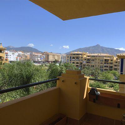 Buy a flat for sale in San Pedro de Alcántara